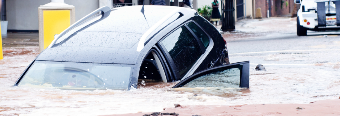What To Do If You are Trapped In A Sinking Car