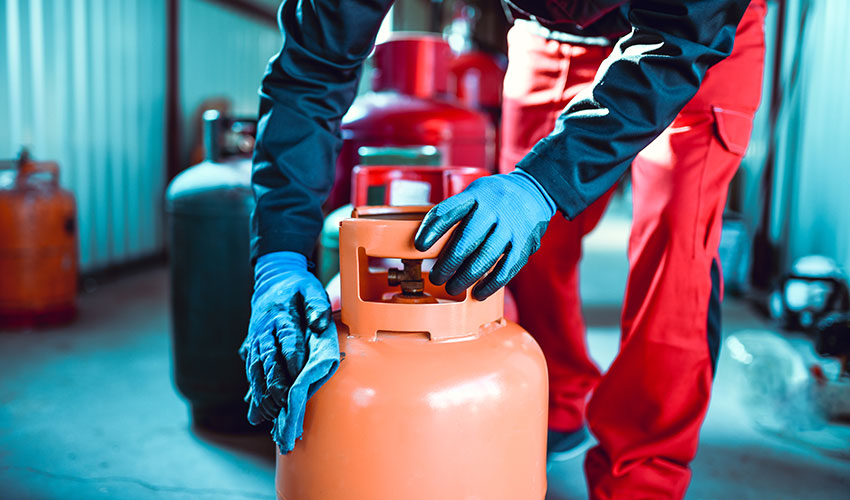 cleaning gas canisters